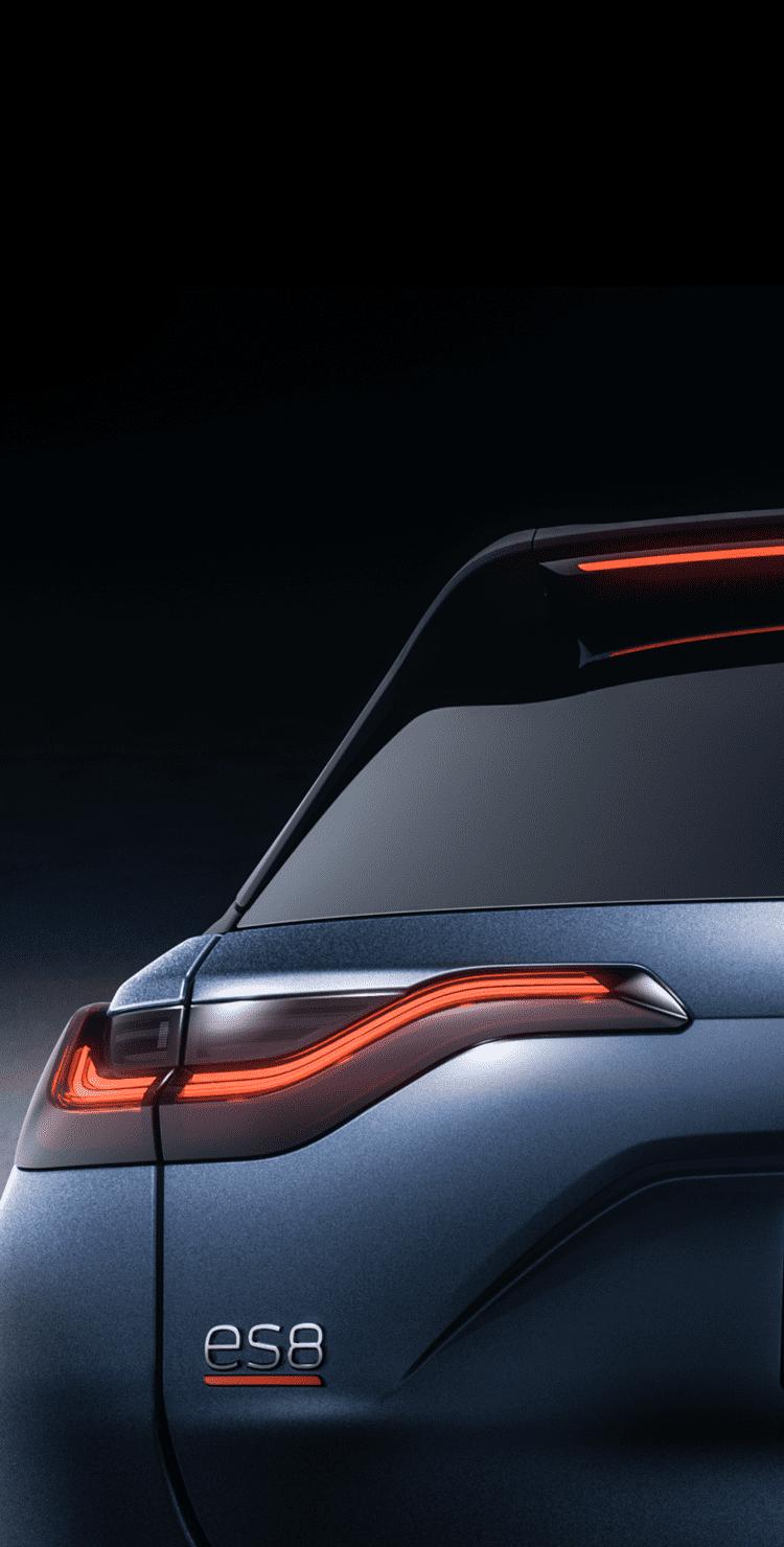 蔚来ES8全新科技外观设计-LED前后流动式转向灯-搭配924mm超长天际线高位刹车灯-移动端 | 蔚来ES8车型页